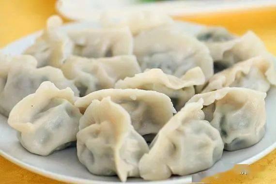 少数民族春节 满蒙吃饺子 其他民族多吃糍粑
