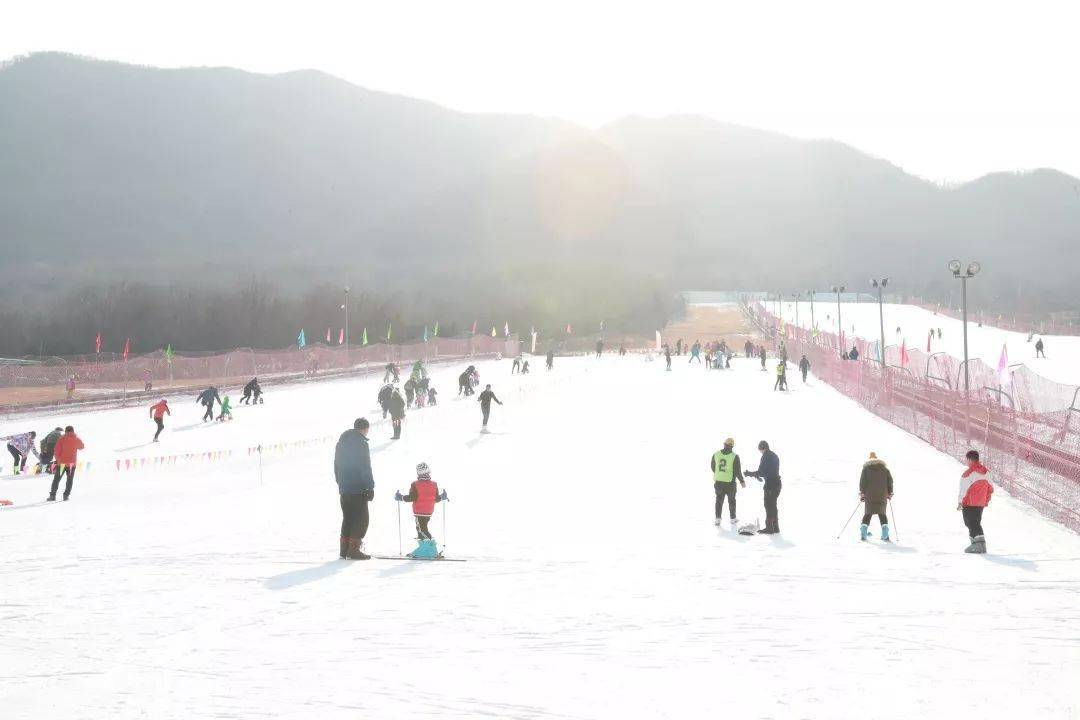 星辉开户地址:世界冠军喊你来滑雪!大年初一,海淀这场重磅活动,不容错过!_冬奥