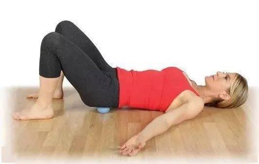 下腰背痛,臀腿僵硬,瑜伽前屈下不去?一个网球帮你搞定!