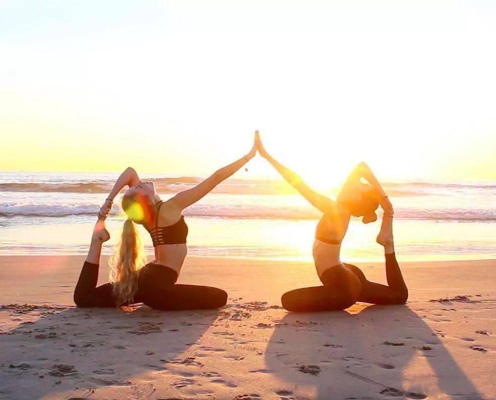 瑜伽闺蜜照,你得这么拍,美爆整个朋友圈!_照片
