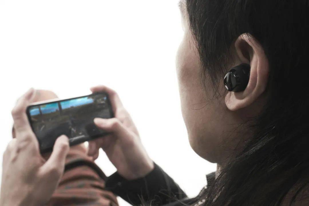 月销超700万的FIIL耳机上新!比好用,更好用