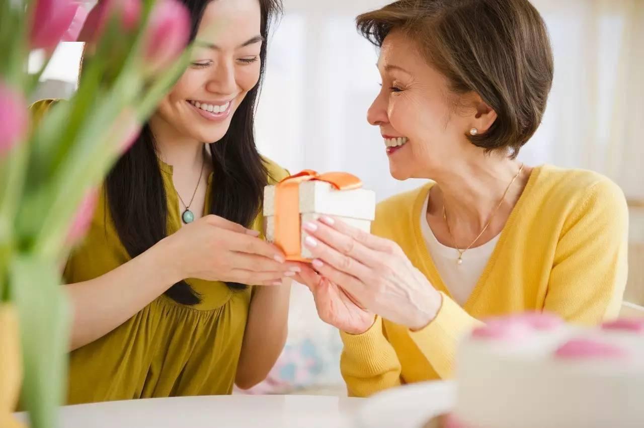 有婆婆带娃和没婆婆带娃的家庭很不同,有这些帮助,儿媳妇更幸福  第9张