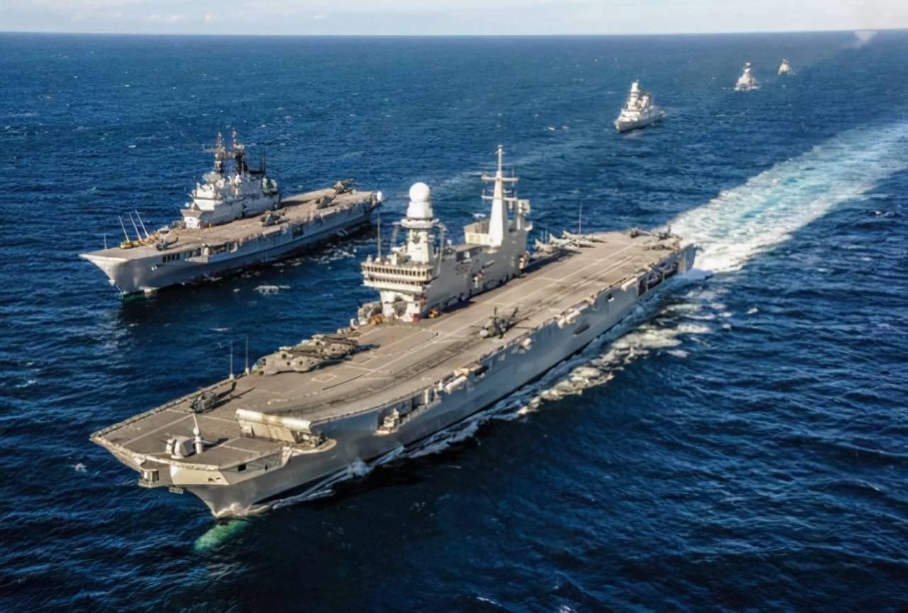 澡盆航母来访!意大利海军旗舰抵达美国,受到超级航母热情接待