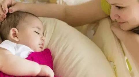 千万别把宝宝睡觉时突然大哭不当回事!!!  第1张