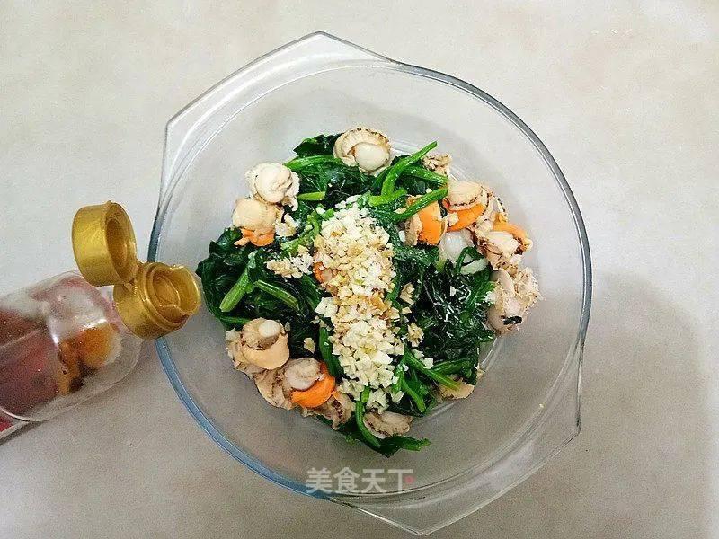 春天的菠菜鲜又嫩!一把菠菜3块钱,营养丰富,全家老小都爱吃