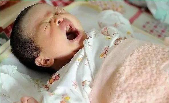千万别把宝宝睡觉时突然大哭不当回事!!!  第2张