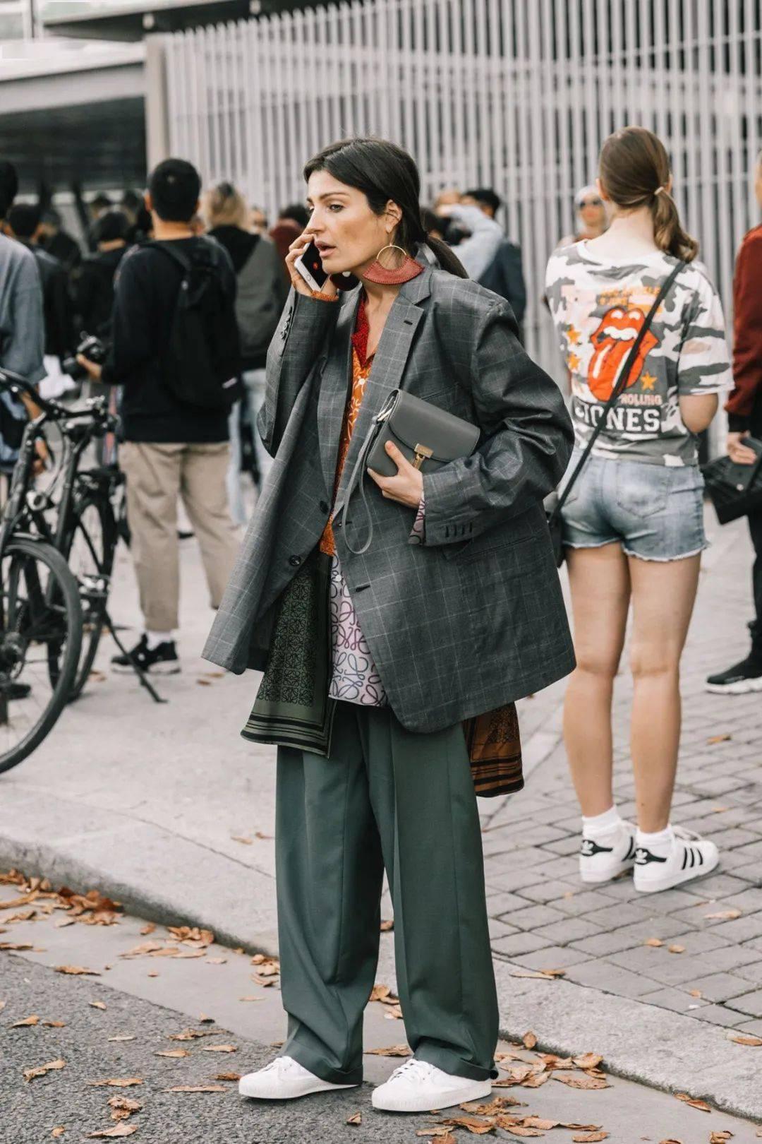 看完这篇,我再也不说妈妈不懂时尚了……