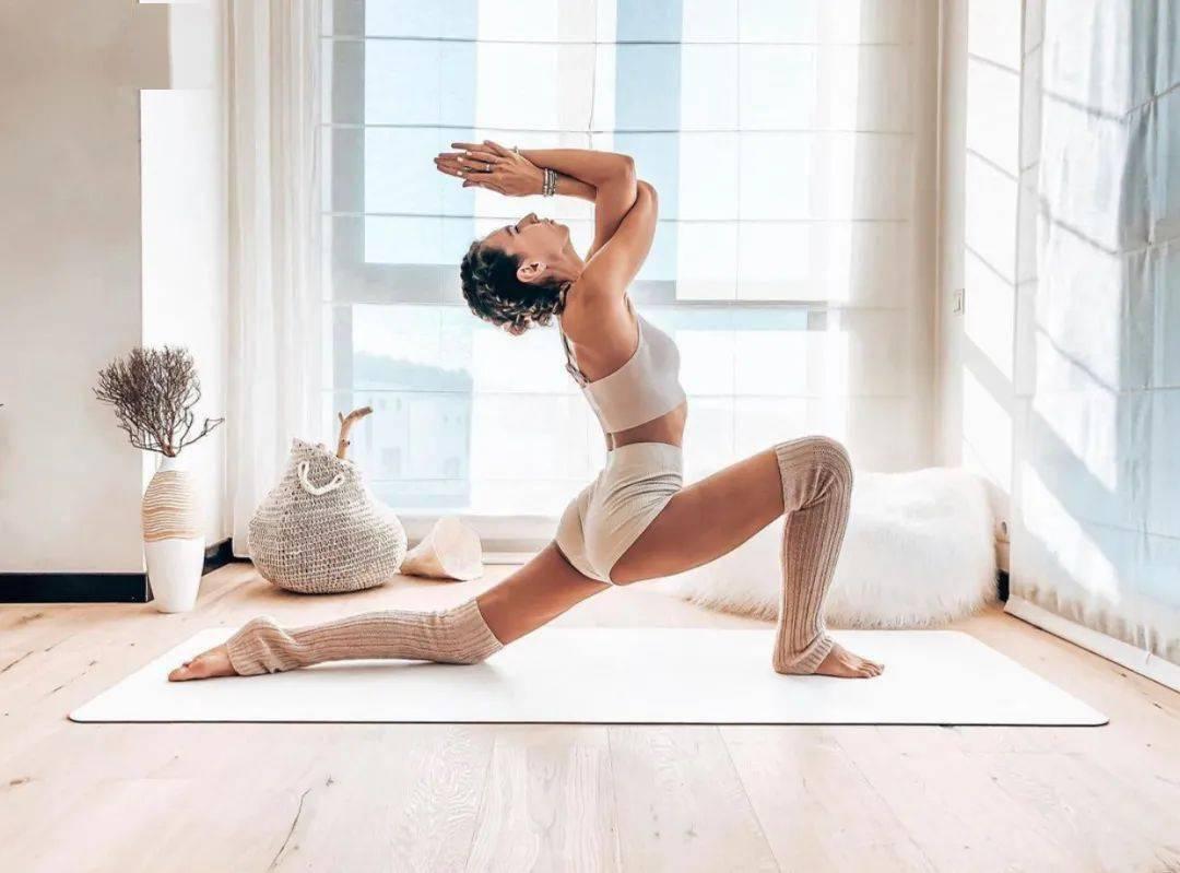下次瑜伽课,试试这9个低弓步变体,开肩、开髋又美腿!