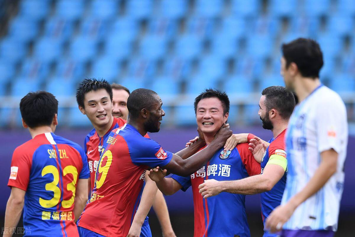 申花本土中锋将再次离队,杨旭或因此受益,新赛季仍会被委以重任