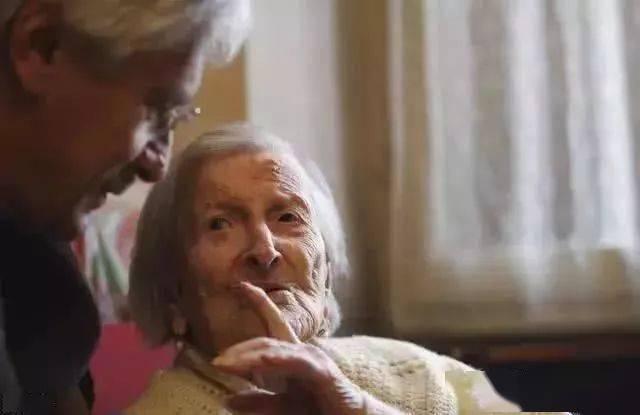"""寿命长的人,往往有""""3慢、3大""""特征,若占一个,身体还算不错"""