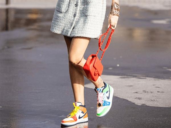 得物App遭克隆:假鞋被包装成真鞋 不少人上当