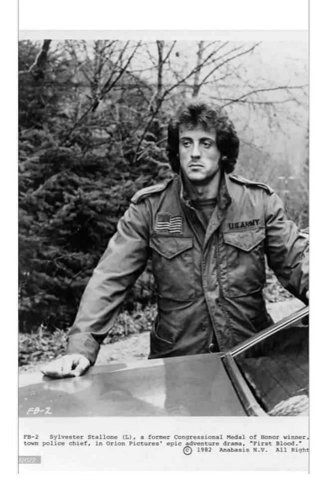 史泰龙扮演的主角蓝博就曾穿着M65大战四方