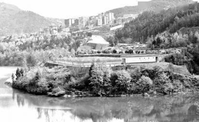 通江:污水处理厂变湿地