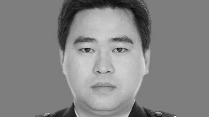 海南定安一交警队出警时被撞悲剧牺牲,年仅41岁