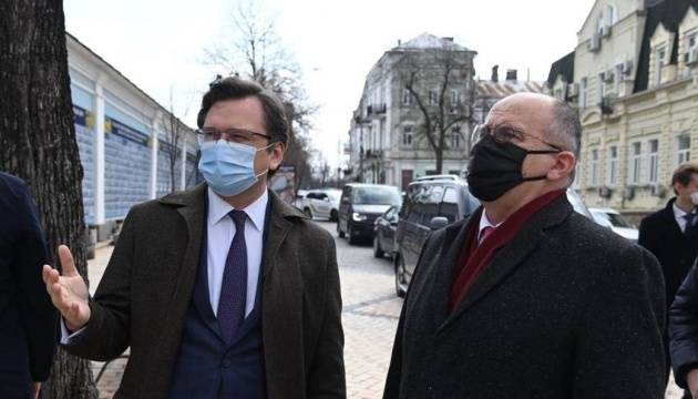 波兰外交部长到访乌克兰 商讨乌东局势