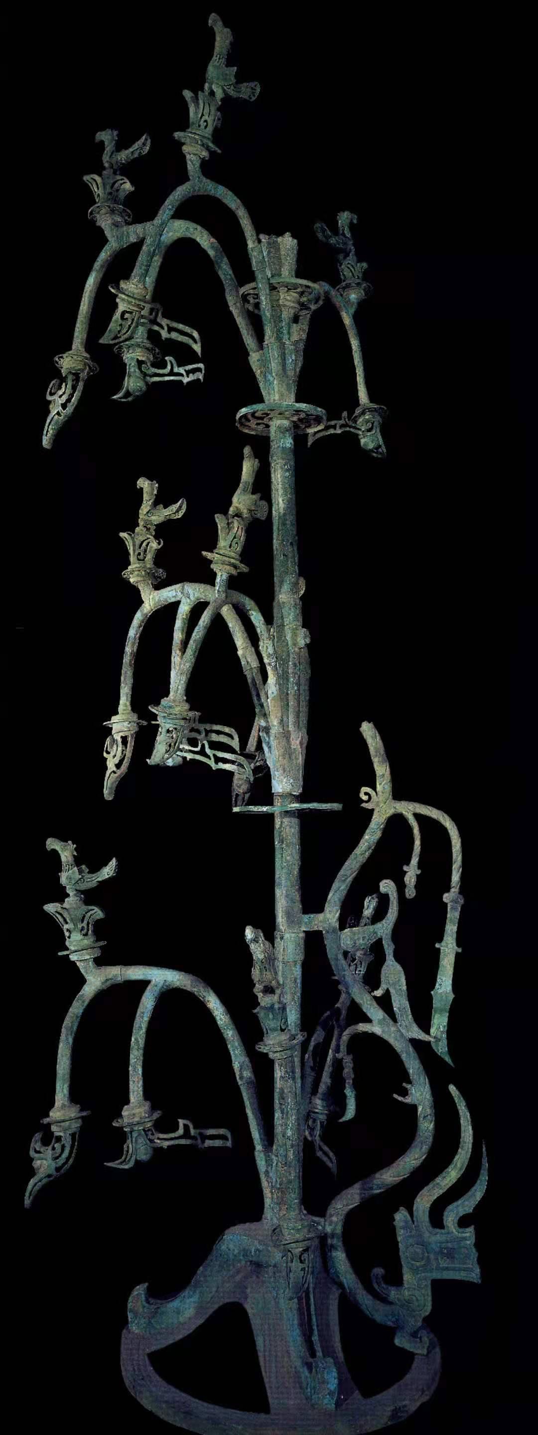 """""""复活""""青铜神树:三星堆跨越90年的考古接力"""