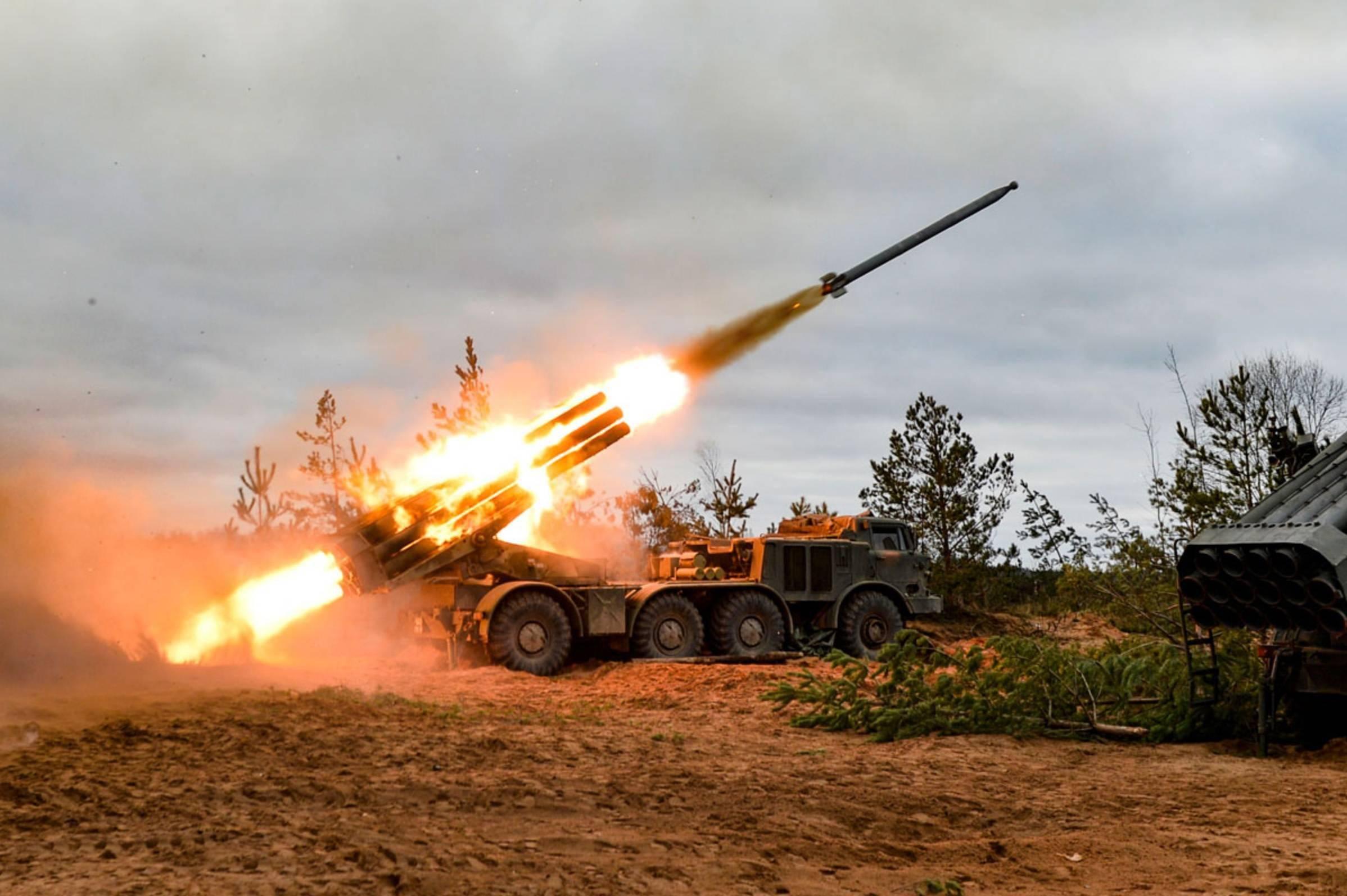 俄罗斯大军压境,乌克兰瑟瑟发抖!美国警告:俄军必将有大动作