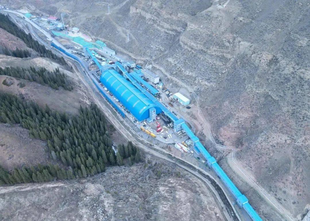 揪心!新疆一煤矿发生透水事故 21人被困