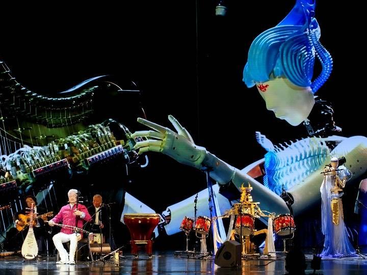 """清华""""墨甲""""来了!当国乐艺术家遇上机器人乐队……"""