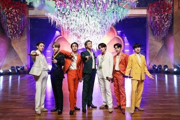 日语歌排行榜_[星闻]BTS日语歌曲《FilmOut》进入BillboardHot100...3国语言进入排...