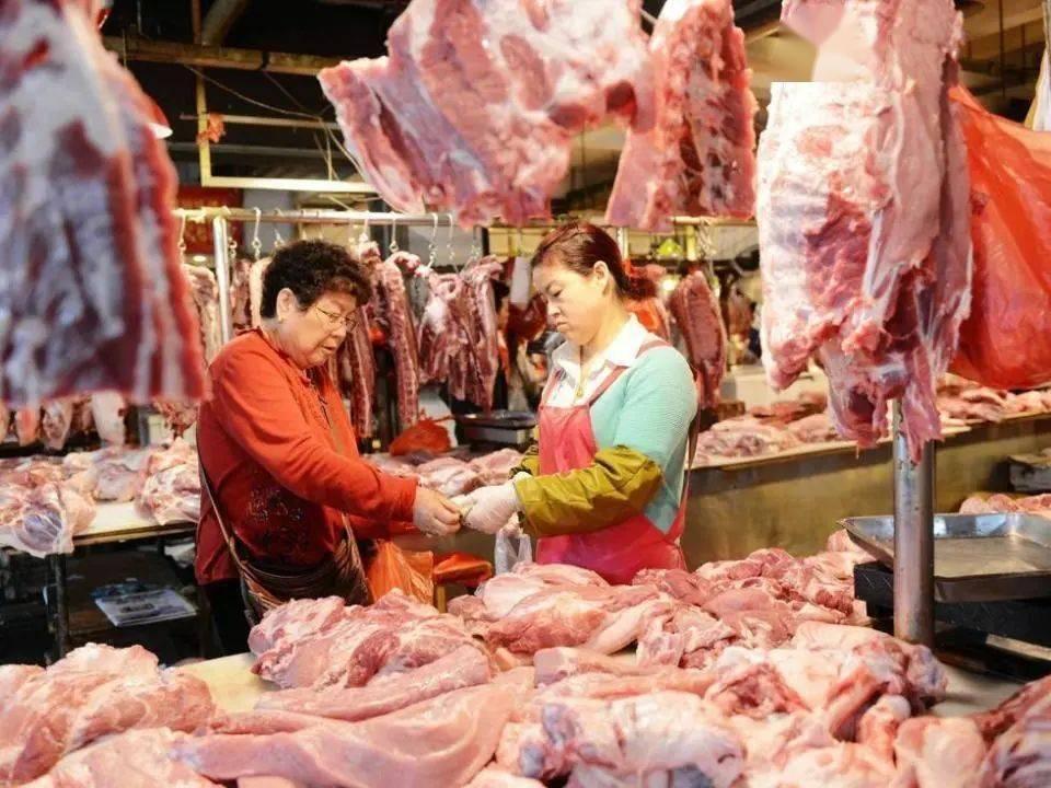 猪肉价格下降,玉米价格上升,未来走势如何?农业农村部这样回应
