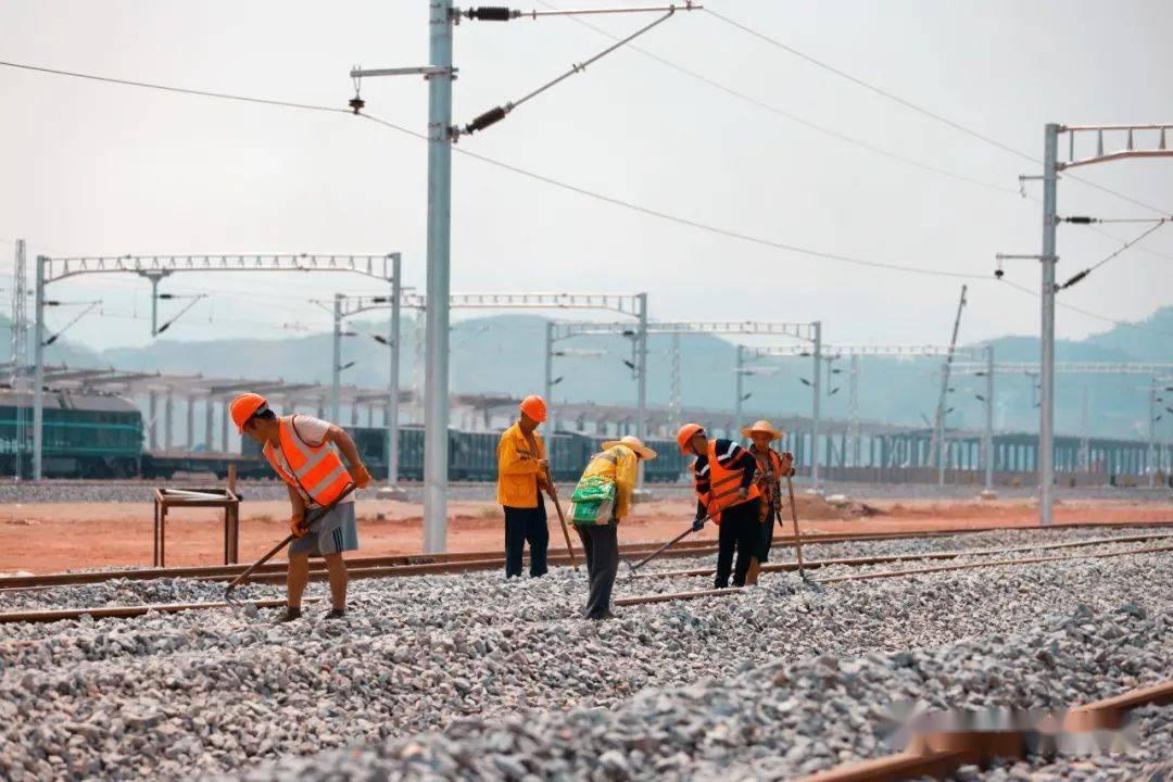 中老铁路国内段开始线路精调,预计年底开通运营!