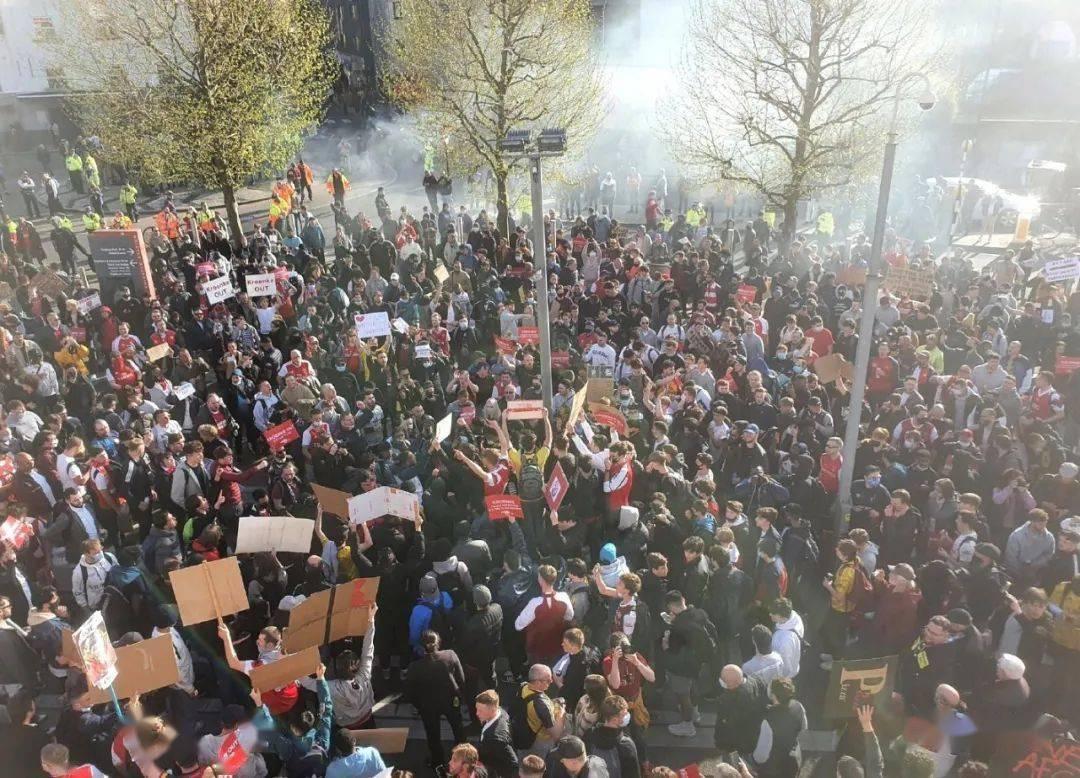 5000枪迷抗议克伦克