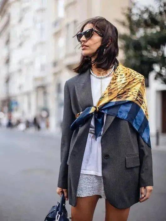 丝巾的5种时髦系法,学起来!