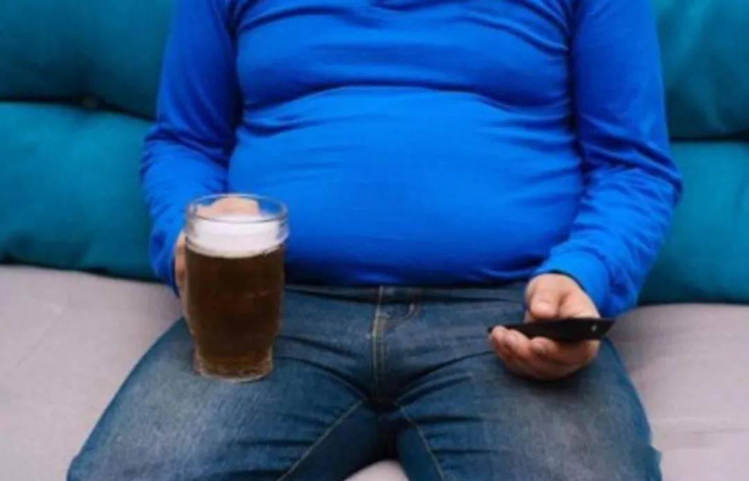 加速男人衰老的10大行为:抽烟加速男人衰老