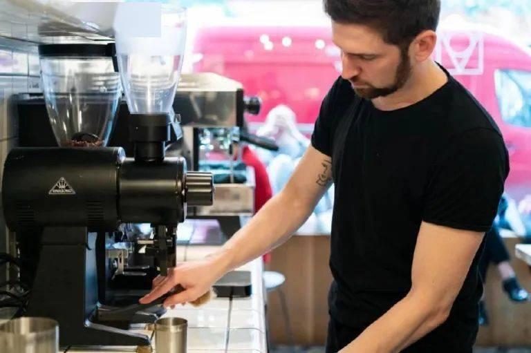 旋转和搅拌,哪种能让咖啡萃取更均匀?