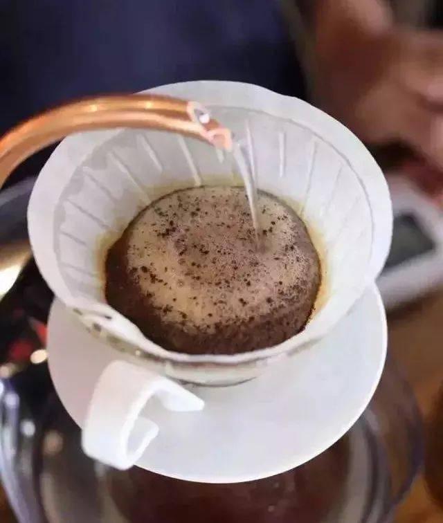 新鲜,是美味咖啡最重要的东西。怎么辨别?