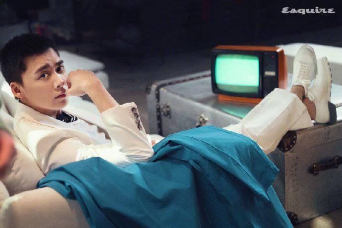 """李易峰《时尚先生》内页回顾 优雅绅士展现独特""""峰""""芒 爸爸 第4张"""