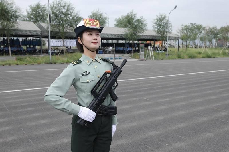 【百年青春】梅月圆:66秒、96米 、128步 三次受阅的中国女兵