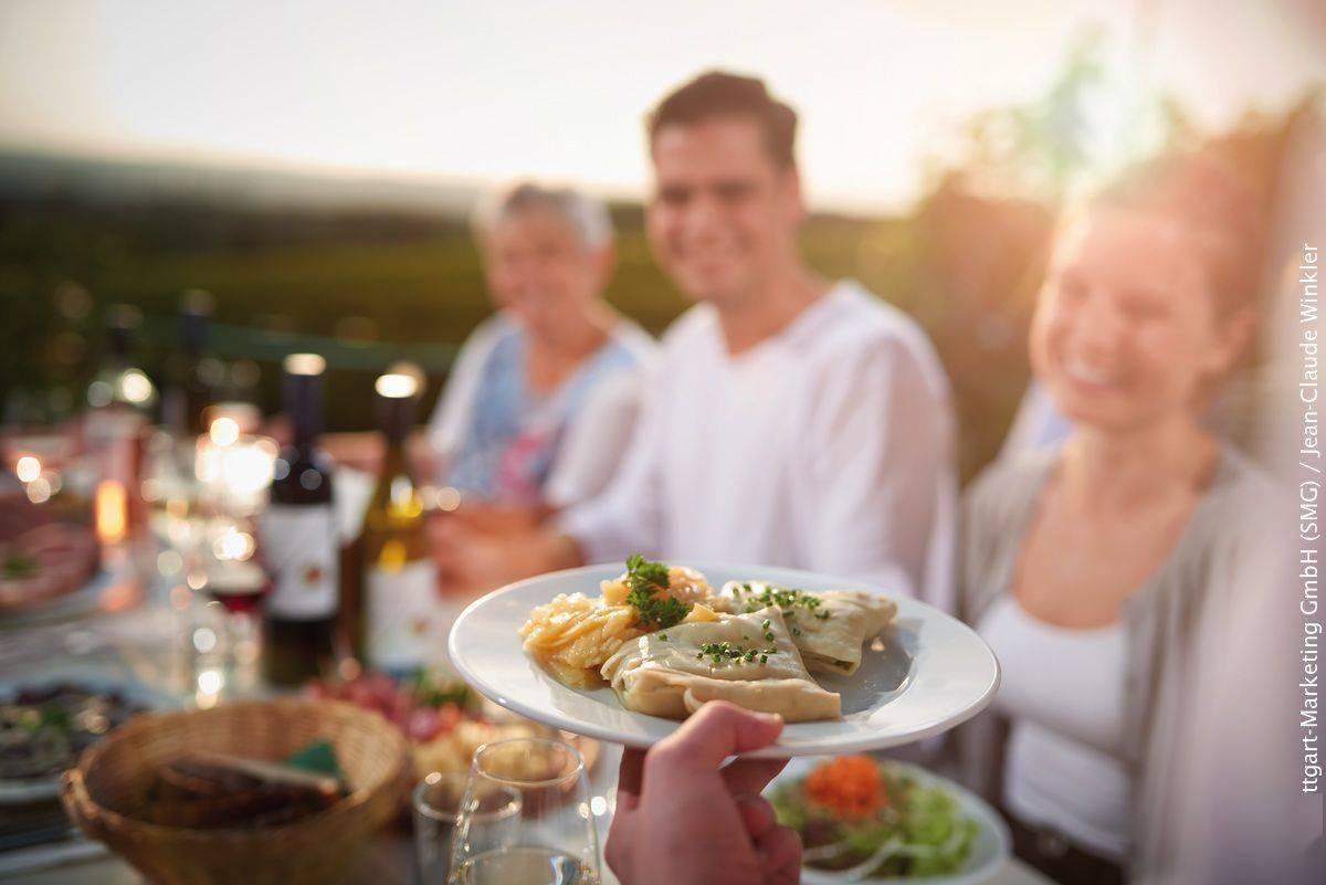 云游四方 这里是保时捷的故乡,还有美食美酒和大片取景地
