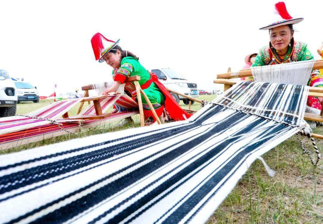 肃南:多彩民族文体活动赞美牧民新生活
