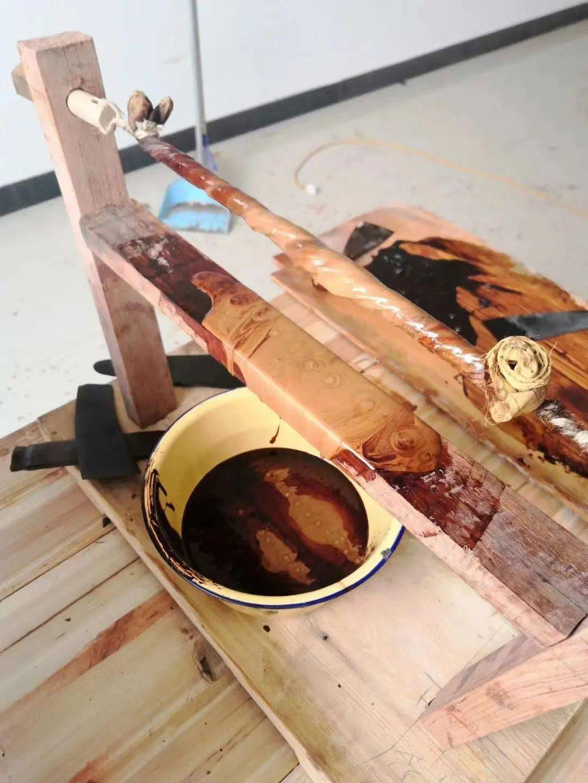 一字之差抵万金:红木烫蜡、擦蜡、打蜡、煮蜡的区别!  烫蜡和打蜡的区别