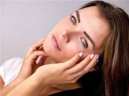 秋季皮肤保养技巧!两分钟告诉你秋季皮肤该如何保养~