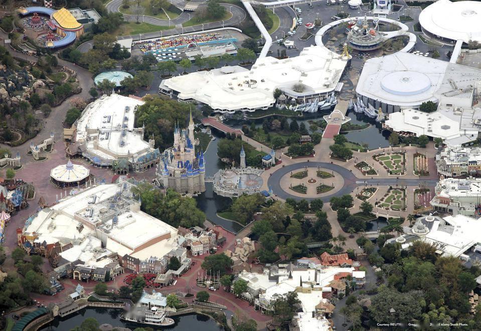 迪士尼乐园50周年:幻想与欢乐没有尽头