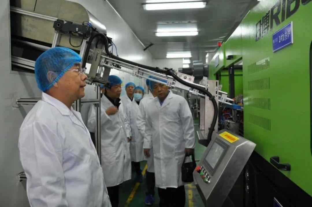 省、市、区市场监管局联合帮扶指导七里河区食品相关产品生产企业