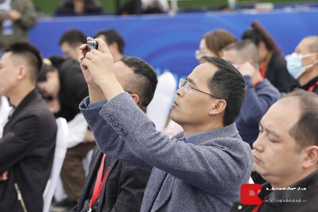 """这场新经济""""双千""""发布会 成都新津发布400个新场景新产品"""